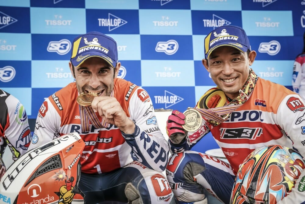 Toni Bou finishes the world championship with a full season of victories. Fujinami achieves third overall