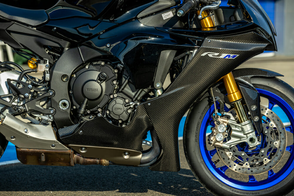 The carbon fiber gives the R1M an alluring character, however, for the price, it would be nice to see the bike come with adjustable rearsets.