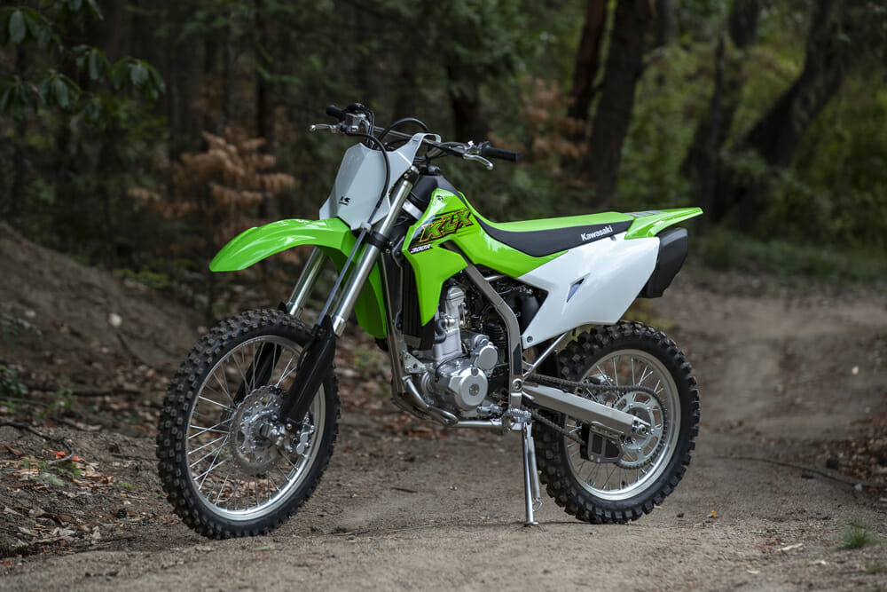 2020 Kawasaki KLX300R Review | The new KLX300 can trace some of its roots back to the '90s, but it features several important technological advances over the older 300.