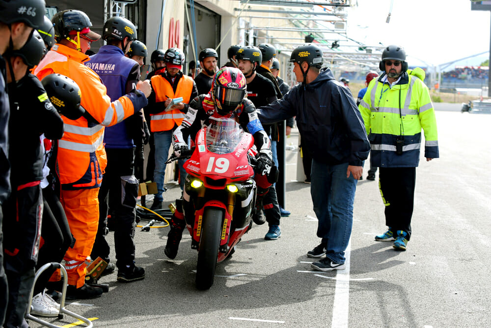 Paris sets off for 24 hours of glorious, satisfying misery at the 2019 Bol d'Or 24 Hour.