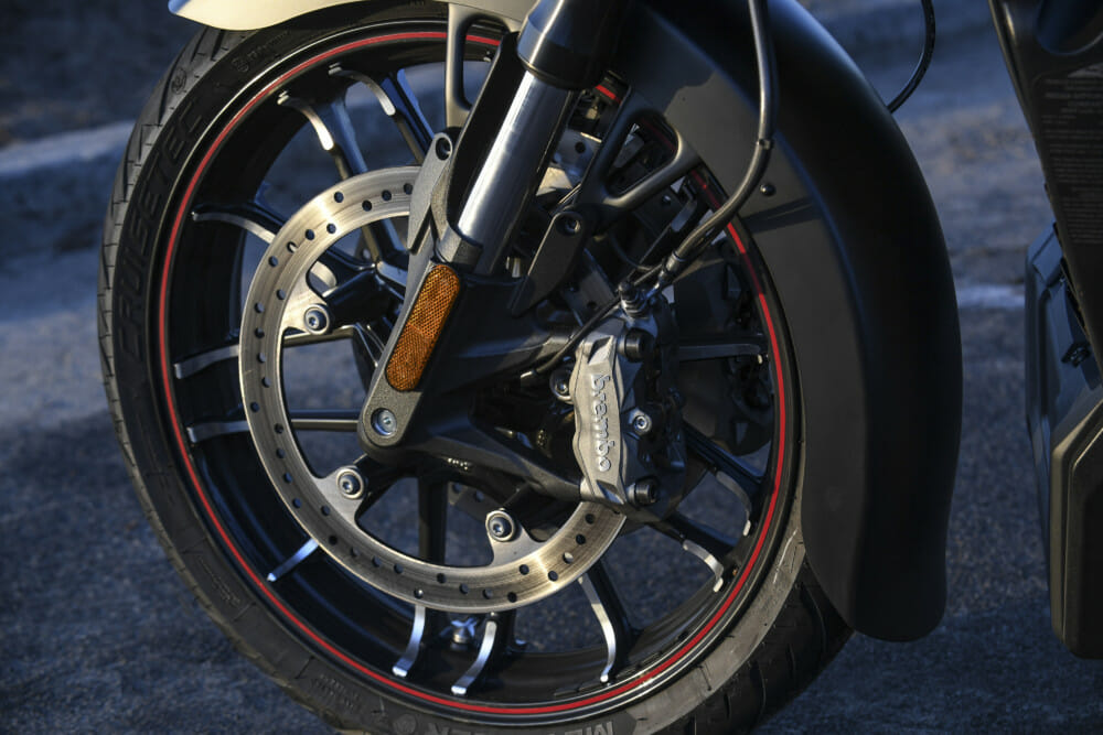 Metzeler Cruisetec Tires  chosen as exclusive Original Equipment of the New Indian® Challenger motorcycle
