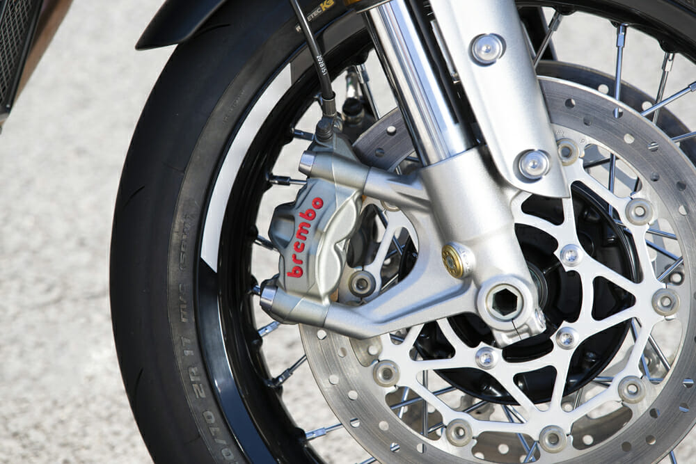 Brembo M50 monobloc calipers are mated to a rather quiet ABS system on the 2020 Triumph Thruxton RS.