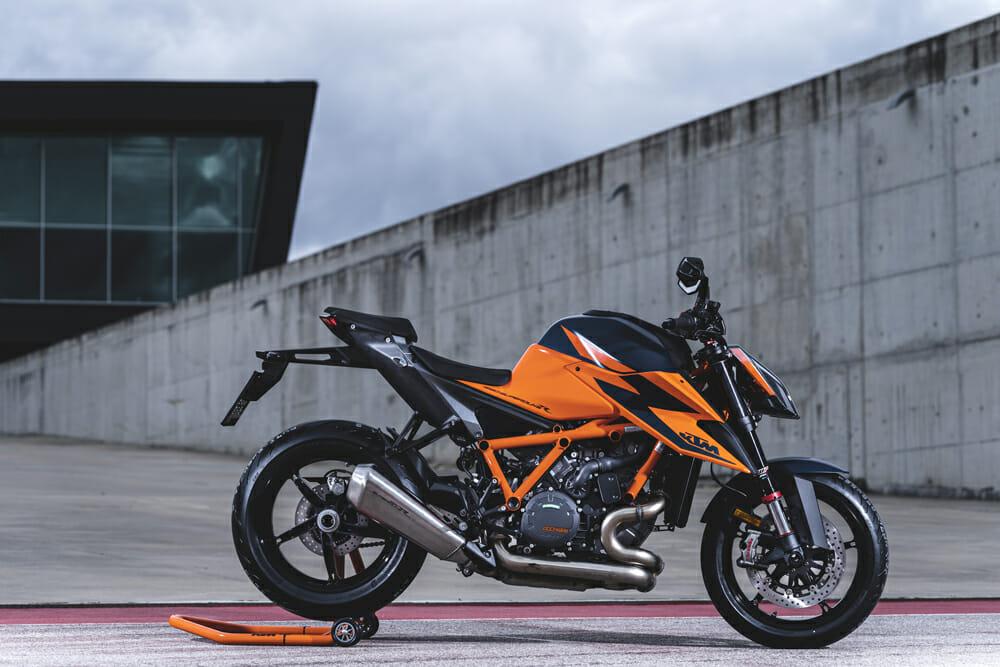 2020 KTM 1290 Super Duke R Specifications