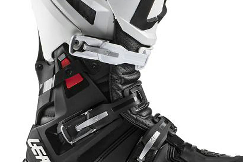 Lateral rigidity on the Leatt 5.5 FlexLock Boots can be increased or decreased with provided inserts.