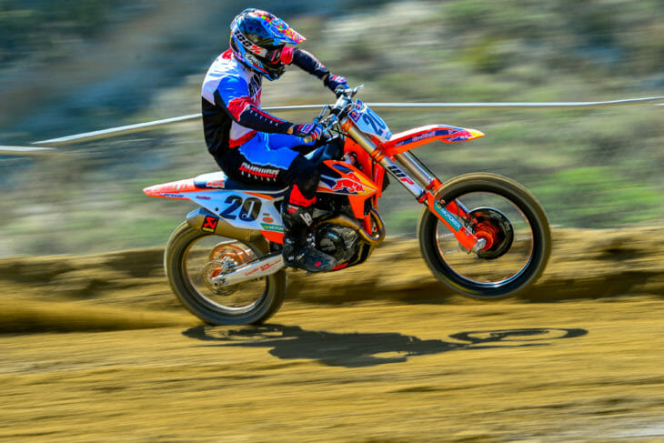 2020 KTM 450 SX-F Factory Edition Review | We give the new KTM 450 SX-F Factory Edition a ride