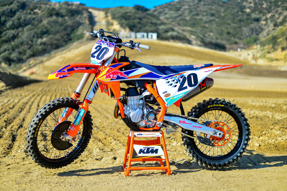 The 2020 KTM 450 SX-F Factory Edition isn't as technically changed as some of the past FE models, but it is still pretty as heck.