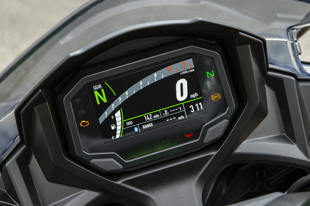 The background of the dash on the 2020 Kawasaki Ninja 650 can be changed from black to white.