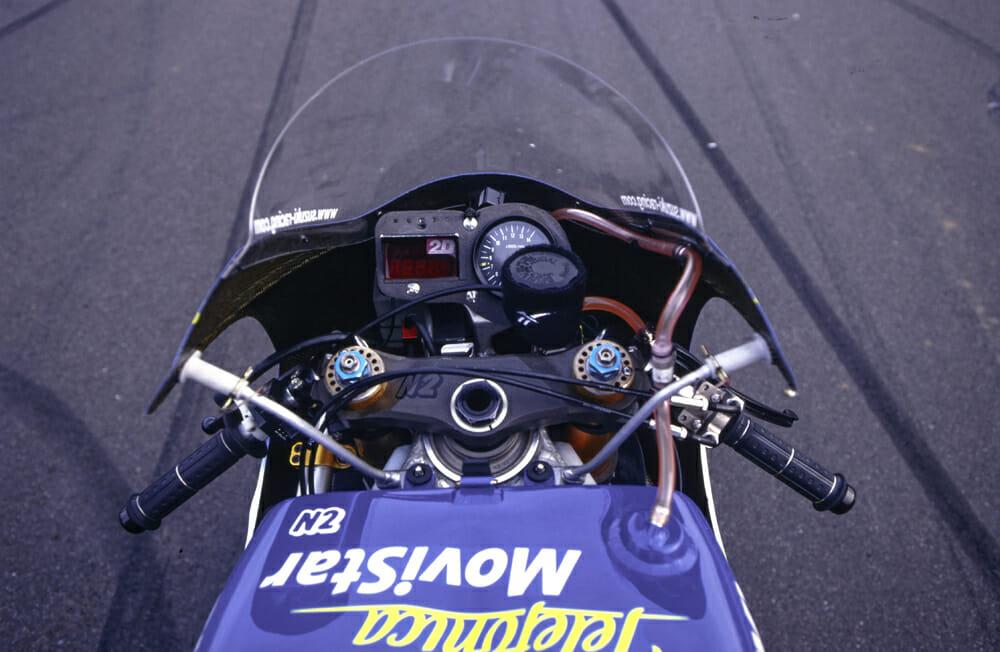 Kenny Roberts Jr. 2000 Suzuki RGV500 Dash
