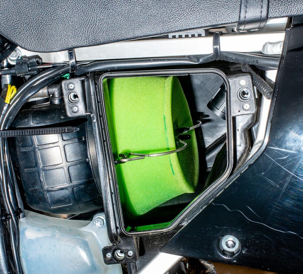 Suzuki DR400S air filter