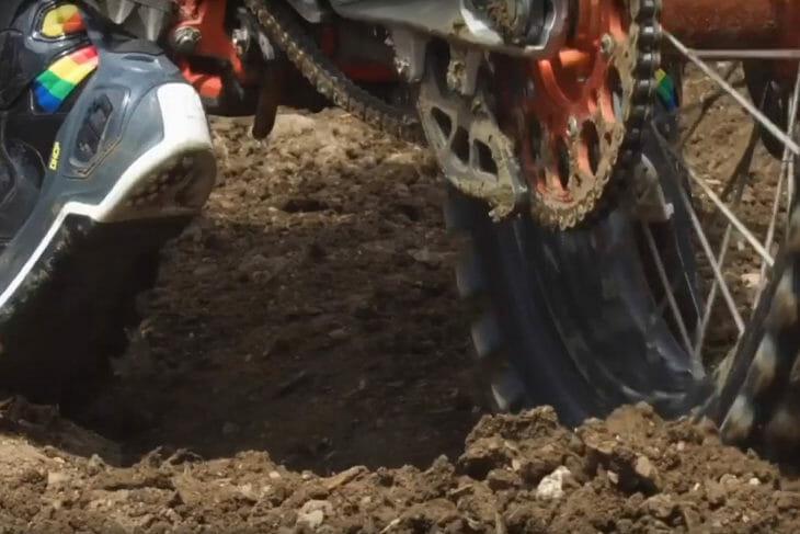 We Dig In Video - Dunlop Motorcycle Tires