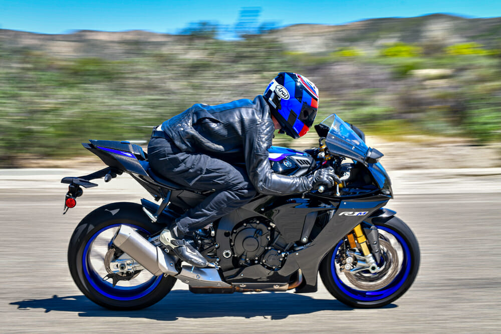 You can see here the racy rider position the ergonomics on the 2020 Yamaha YZF-R1M offers.