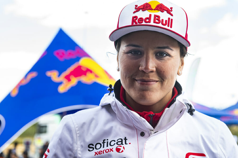 Laia Sanz helps the next generation of female racers