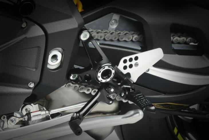 2020 MV Agusta Brutale 1000 RR footrests