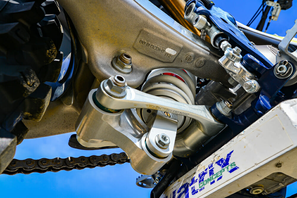 Close up of the Husqvarna FC 450 linkage and shock.