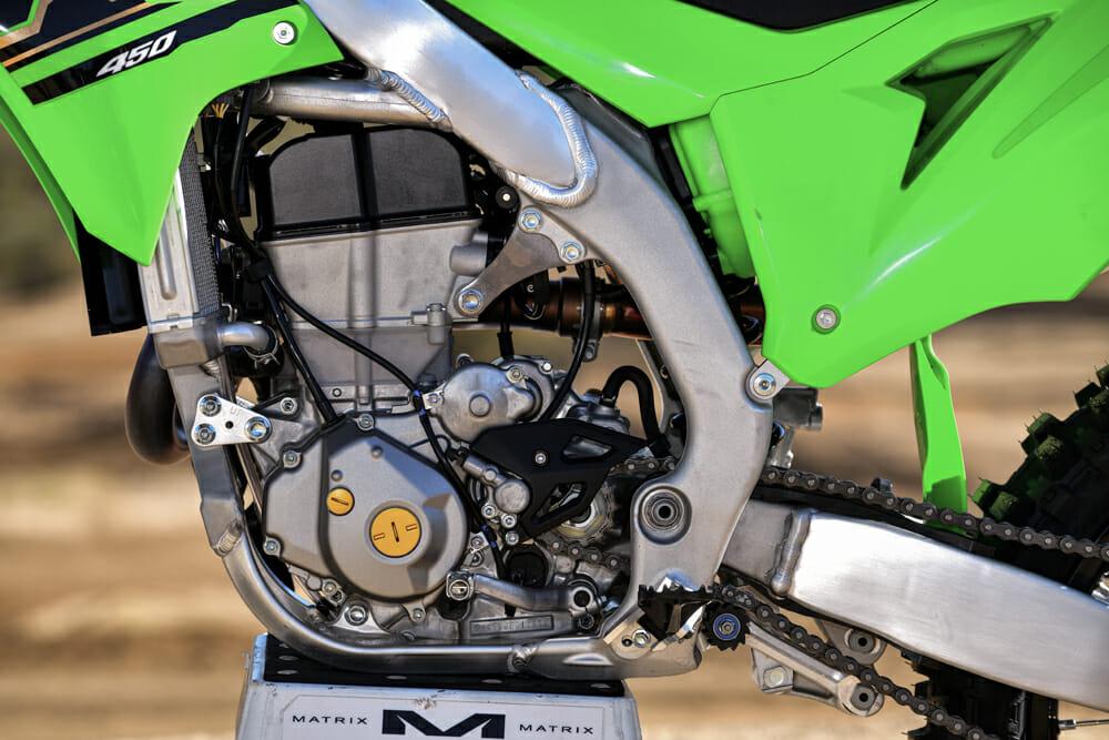 The egine of the 2021 Kawasaki KX450.