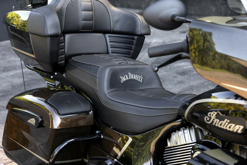 Indian Motorcycle Jack Daniel's LE Indian Roadmaster Dark Horse seat