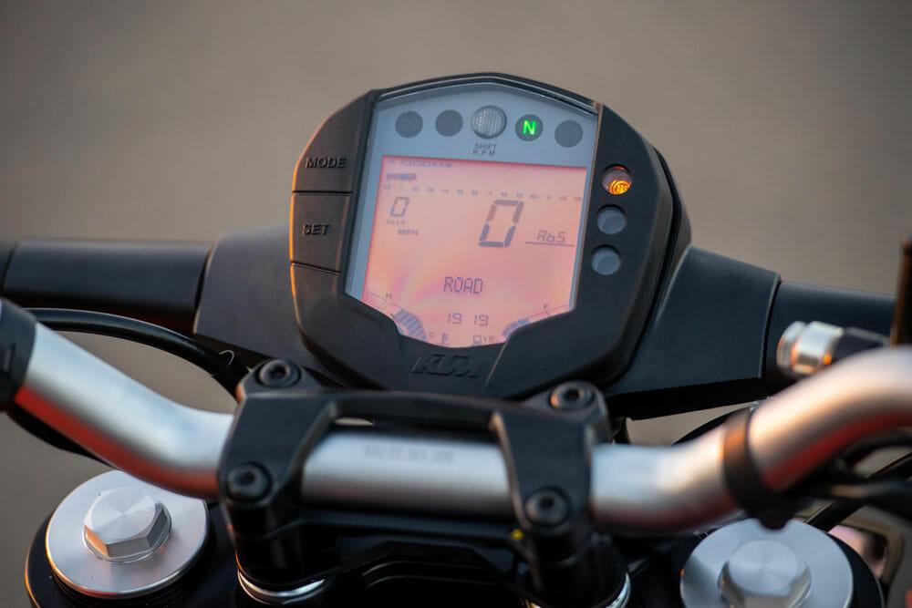 2020 KTM 200 Duke dash