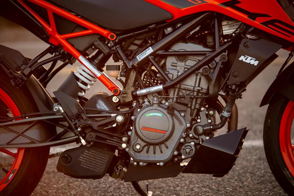 2020 KTM 200 Duke engine and frame
