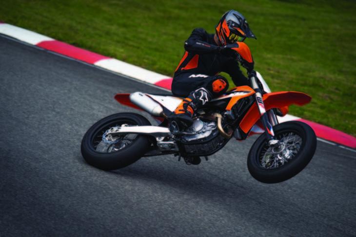 2021 KTM 450 SMR First Look wheelie