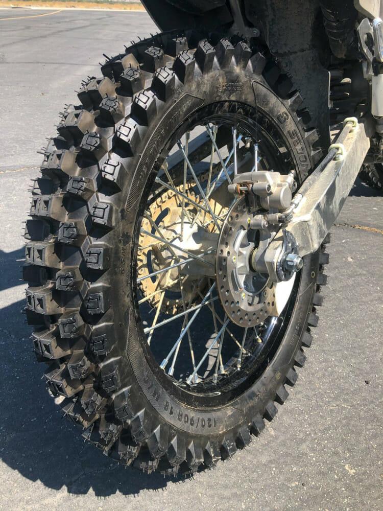 Sedona MX-208SR rear tire