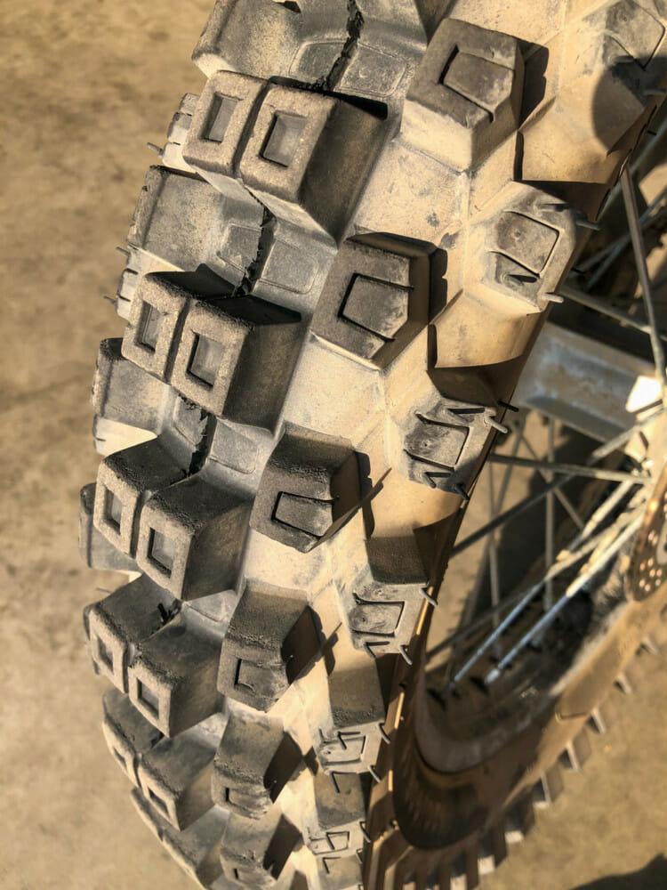 Sedona MX-208SR Tire Tread
