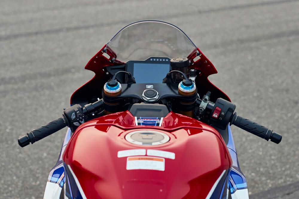 2021 Honda CBR1000RR-R tank view