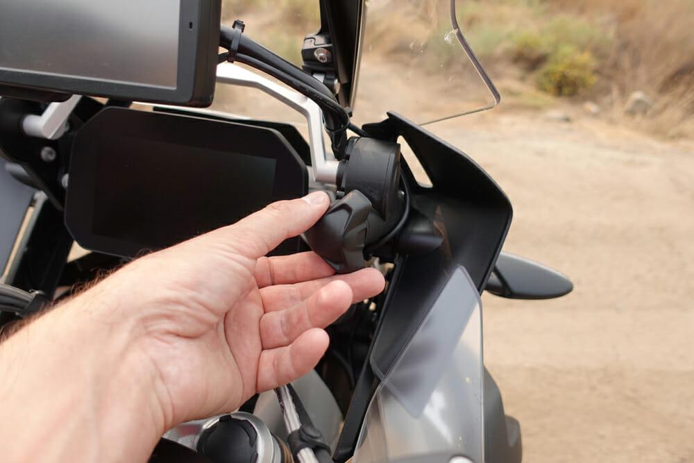2020 BMW R 1250 GS 12V charging socket