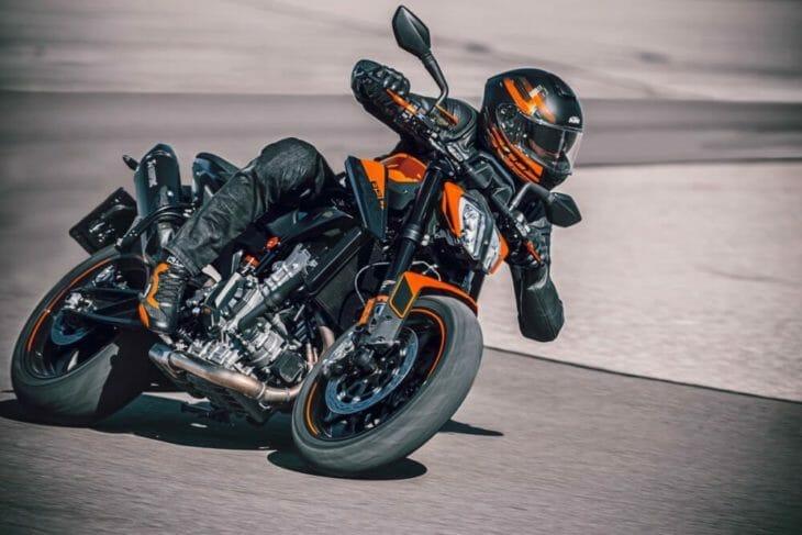 2021 KTM 890 Duke First Look track 2