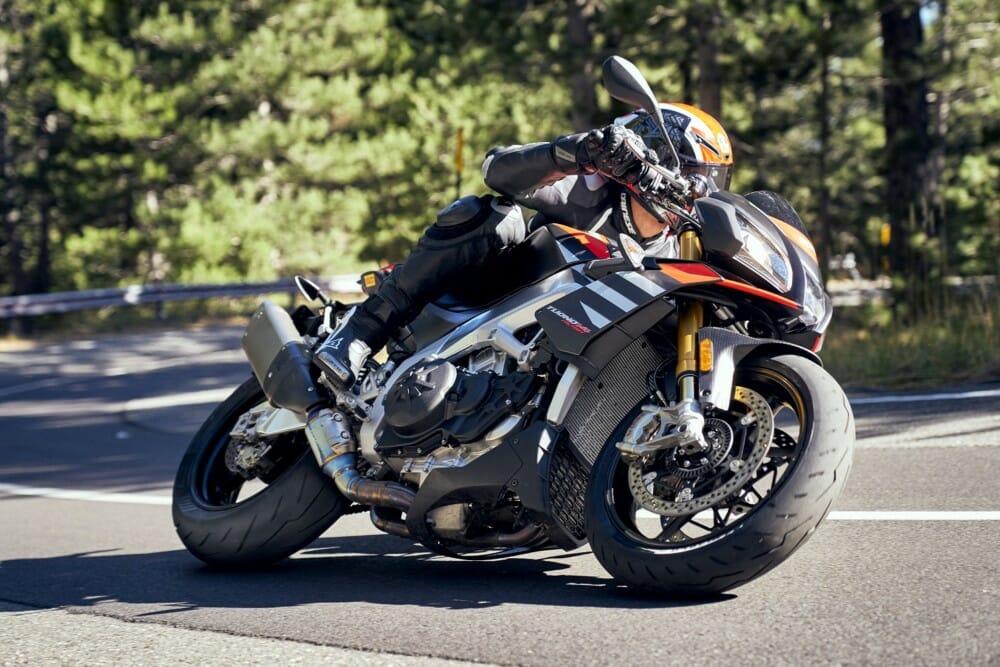 Pirelli Diablo Rosso IV Supersport Tires