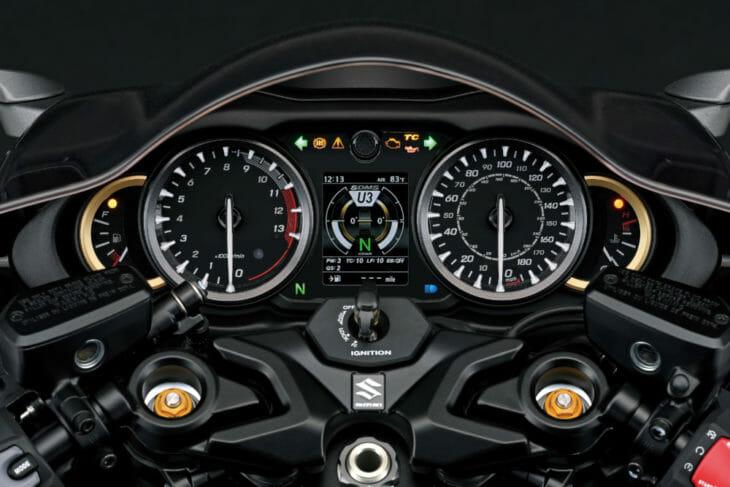 2022 Suzuki Hayabusa First Look clocks