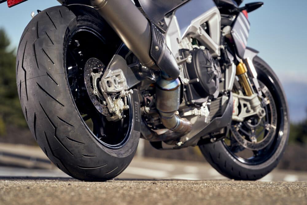 Pirelli Diablo Rosso IV Supersport Tire