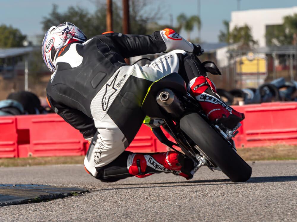 Dragging Knee with Ohvale GP-2 190 Daytona