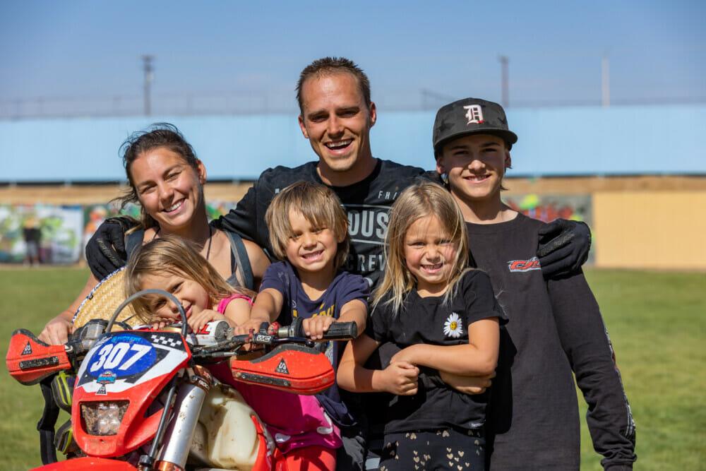 Sean Family Necklace Grand Prix Adelanto 2021